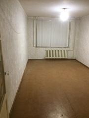 Продам двухкомнатную квартиру около «Школьника»