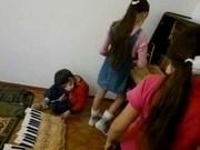 maxim_tuner в онлайн режиме даёт некоторые советы по ремонту пианино